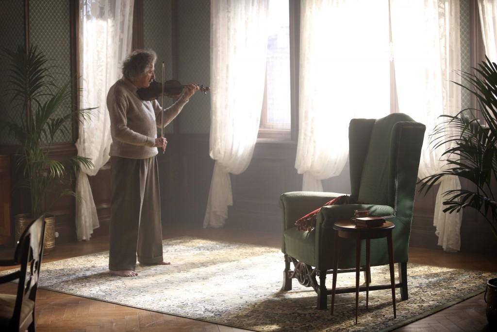 PRAGUE - Geoffrey Rush plays Albert Einstein in National Geographic's Genius. (Photo Credit: National Geographic/Dusan Martincek)